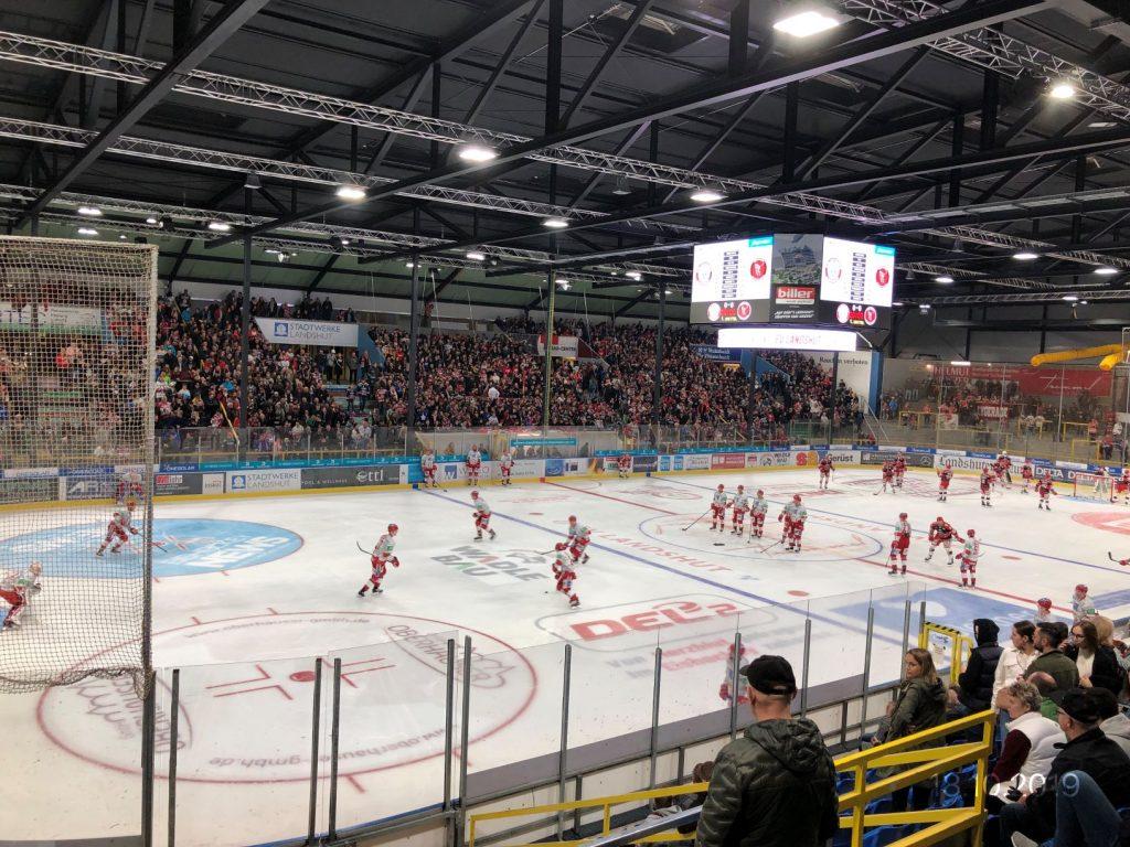 Das Landshuter Eisstadion bekommt neues Dach in Rekordzeit.Hoffmann GmbH